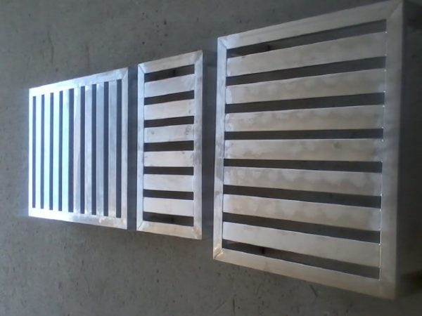 VARIOUS INOX METAL PALLETS